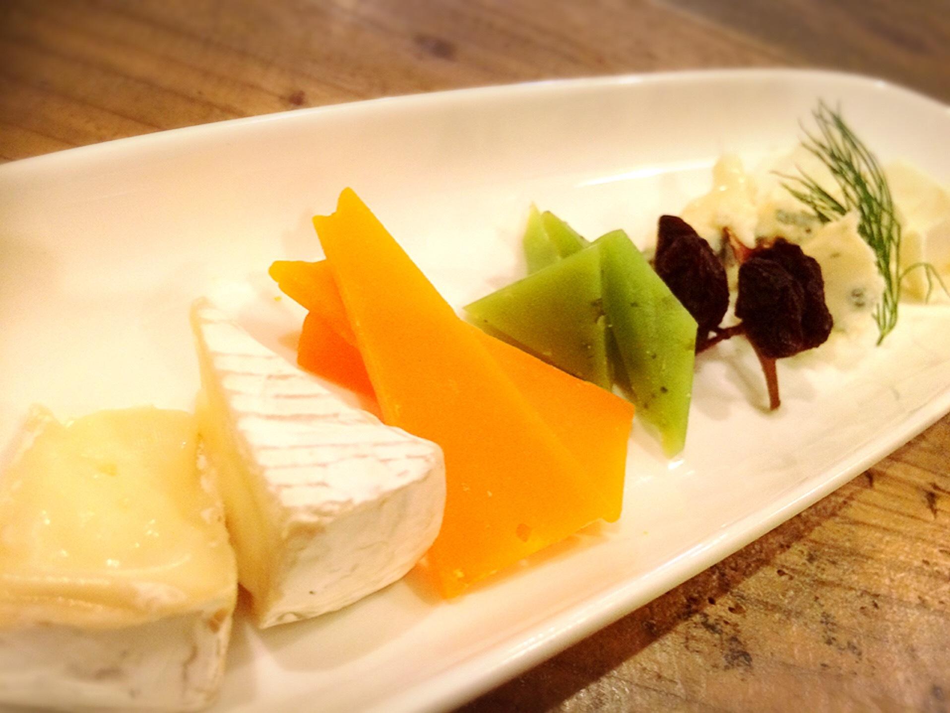 岡野 チーズ盛り合わせ
